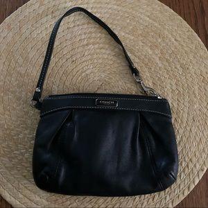 Coach MinimalistEveryday SimpleClassy Wristlet Bag